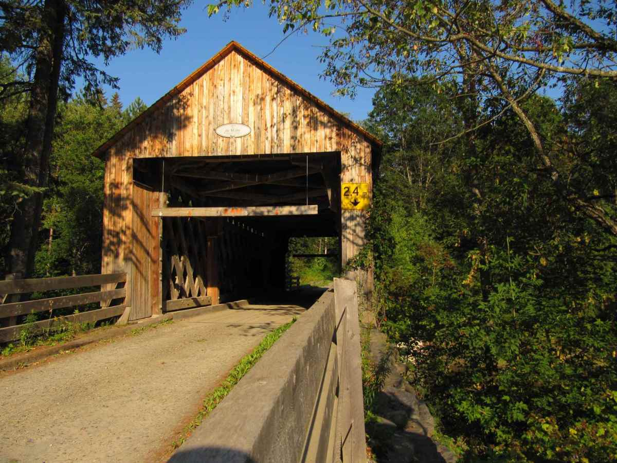 Le pont Milby a été restauré récemment - Photo libre de droits