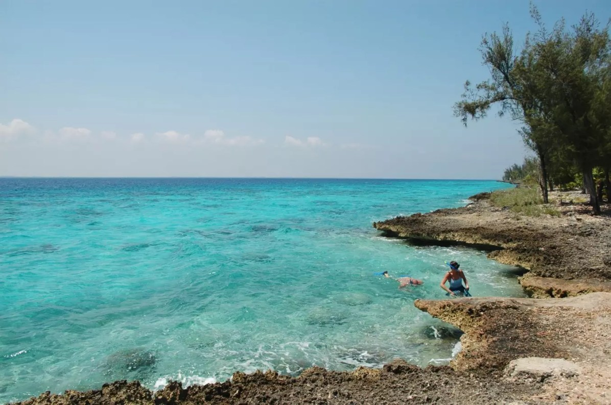 Things to do Outside Varadero Resorts - Scuba Diving at the Bay of Pigs