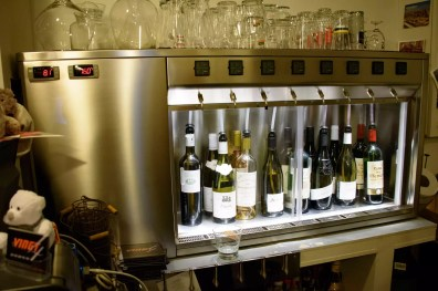 Le Vingt4: Wine dispenser