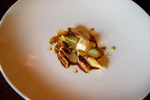 Horváth Restaurant: Pommes vertes et asperges