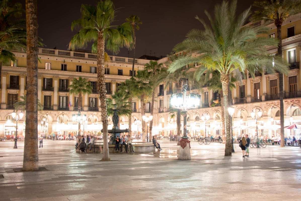Pays les plus visités - Espagne Ici, La Plaça Reial, Barcelone. - Photo © Cedric Lizotte