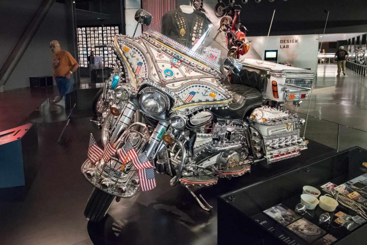Pays qui profitent le plus du tourisme - États-Unis. Ici, le musée Harley-Davidson, Milwaukee, WI. - Photo © Cedric Lizotte