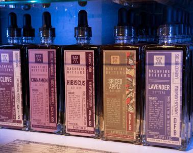Bitters at Boutique Alambika, Montréal: Des amers disponibles à la boutique