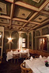 Spatenhaus, Munich beer hall: The decor
