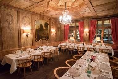 Spatenhaus, Munich beer hall: The decor