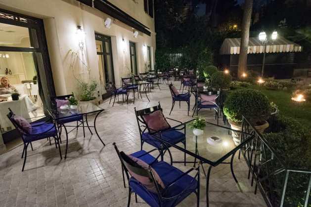 Restaurant Assaje Rome - La terrasse près de la piscine