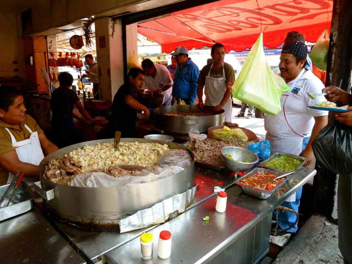 Un kiosque de tacos à Mexico - Photo par CarlosVanVegas utilisée avec droits