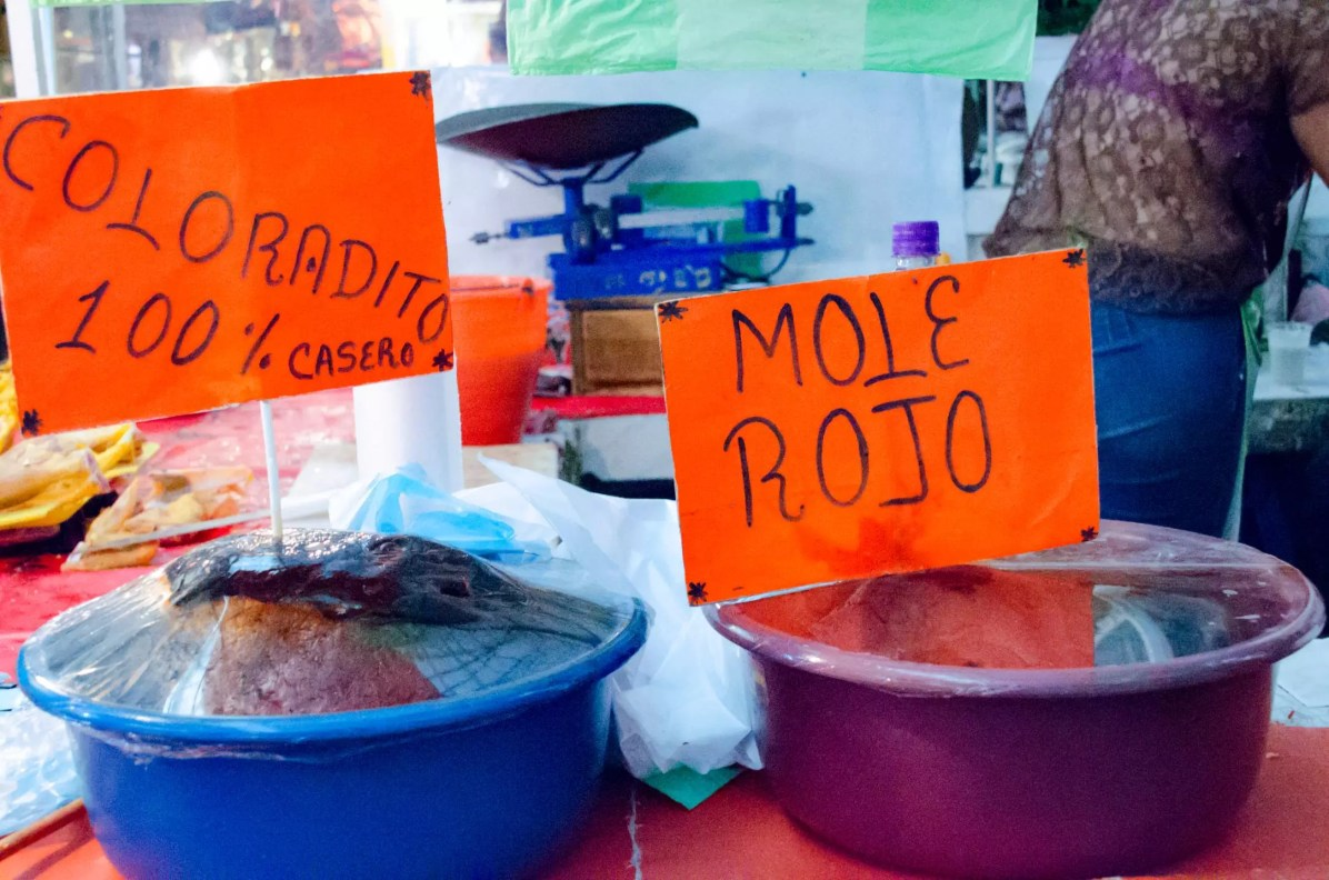 What to eat in Oaxaca City - Moles at the Market
