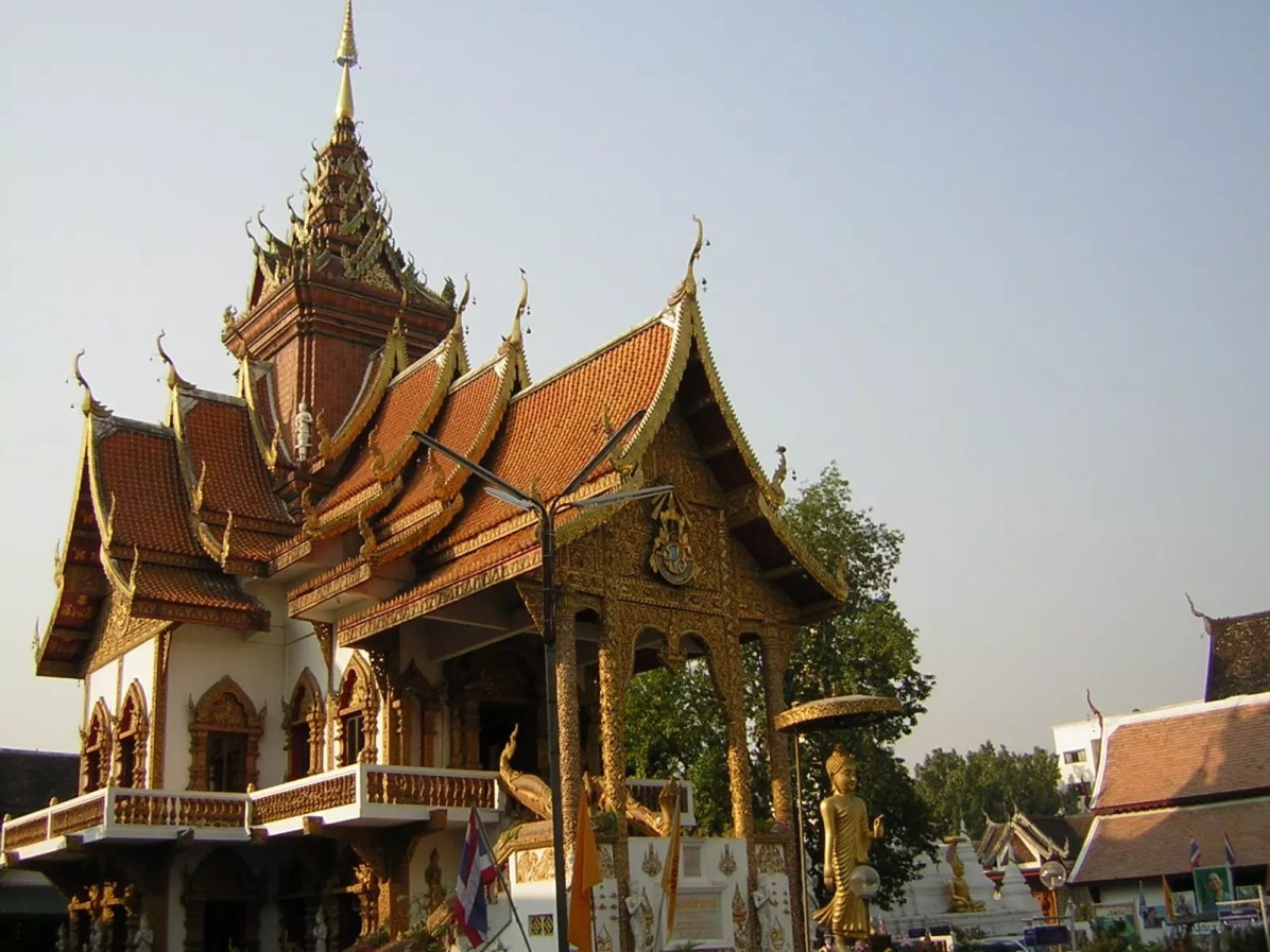 Chiang Mai Travel Blog - Wat Bupphara Great Viharn - This is a copyright free photo