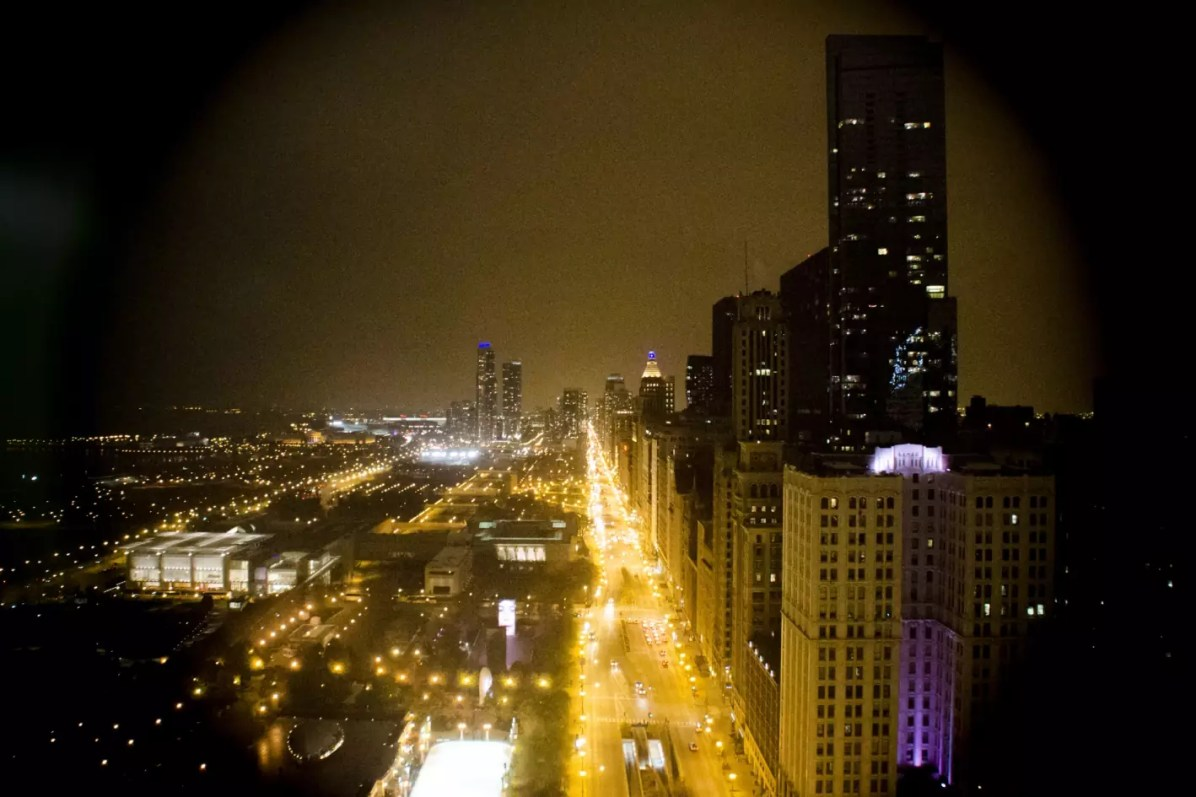 Chicago Travel Blog - Chicago at night where to stay in Chicago