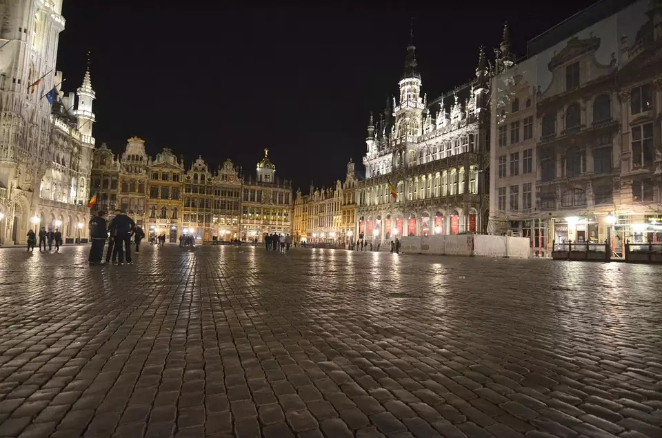 Brussels Travel Blog - Grand'Place - This is a copyright free photo where to stay in brussels