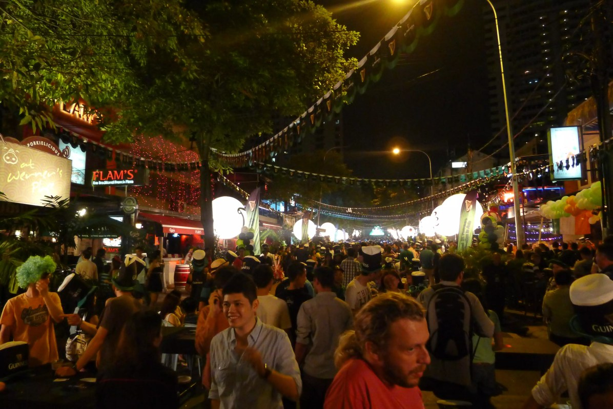 Kuala Lumpur night market - CC0 / Public Domain - Things to do in Kuala Lumpur