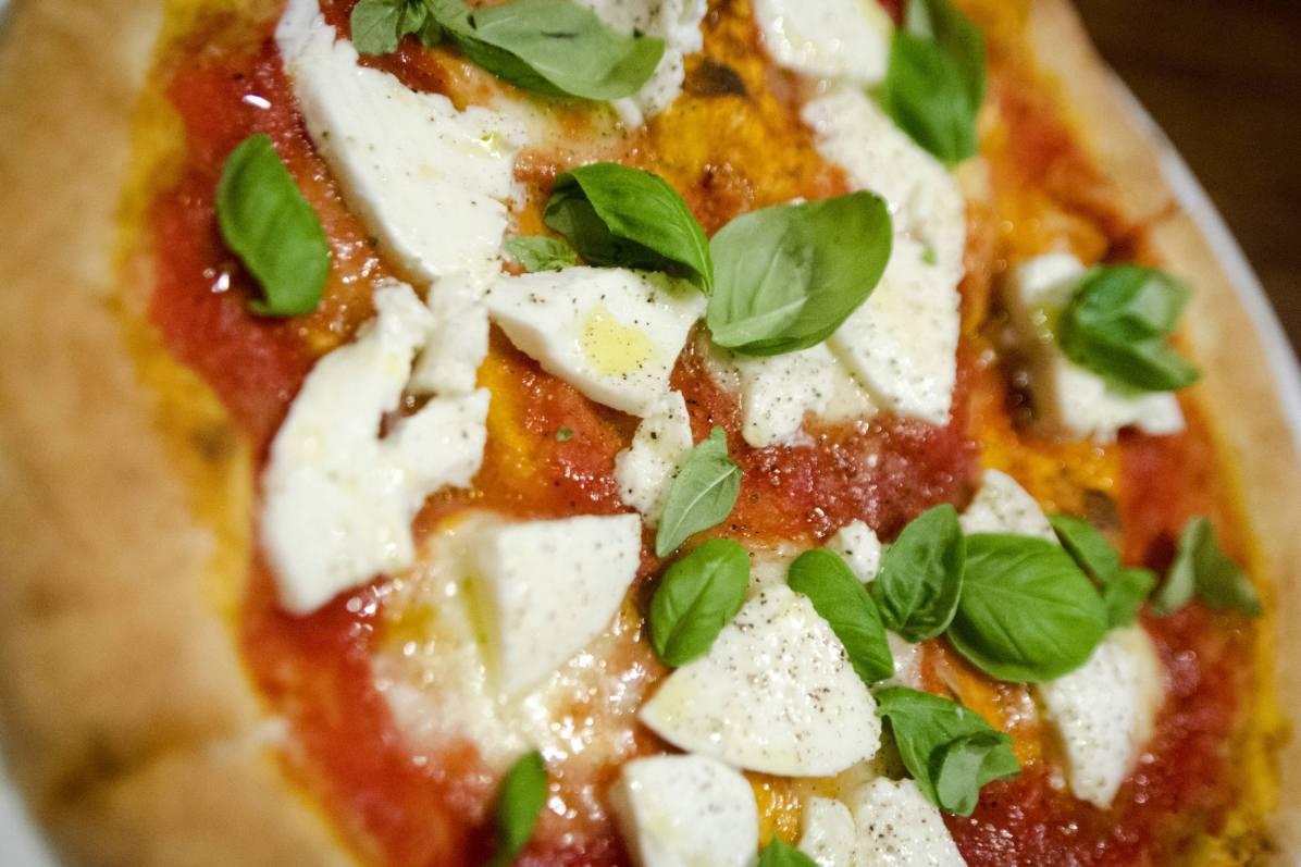 Restaurant Vieux Montreal - Mangiafoco's pizza