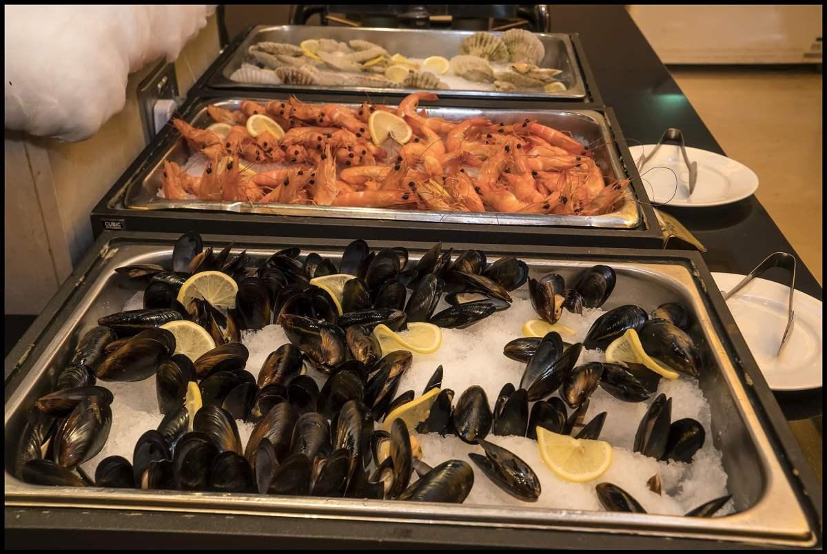 Delicious Destinations Las Vegas - Buffet of Seafood