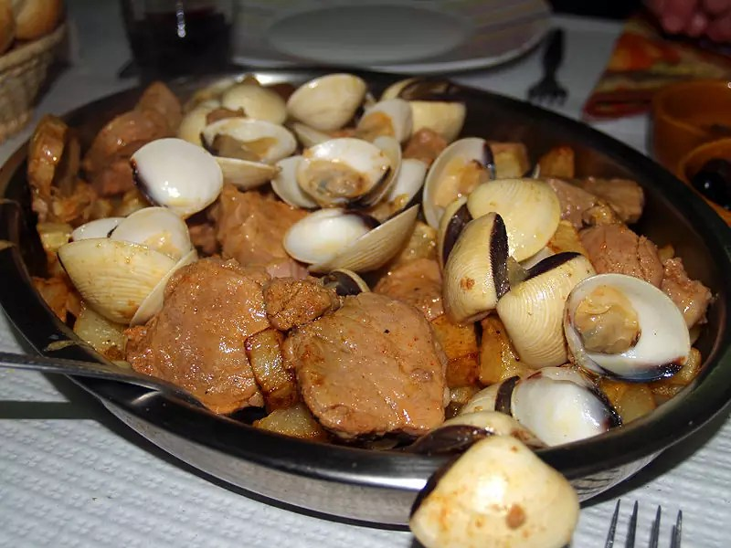 Anthony Bourdain Boston - Carne de porco à Alentejana - photo by Rui Ornelas under CC BY 2.0