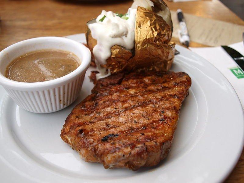 Anthony Bourdain Kansas City - Grilled steak - photo by hiwarz under CC-BY-2.0