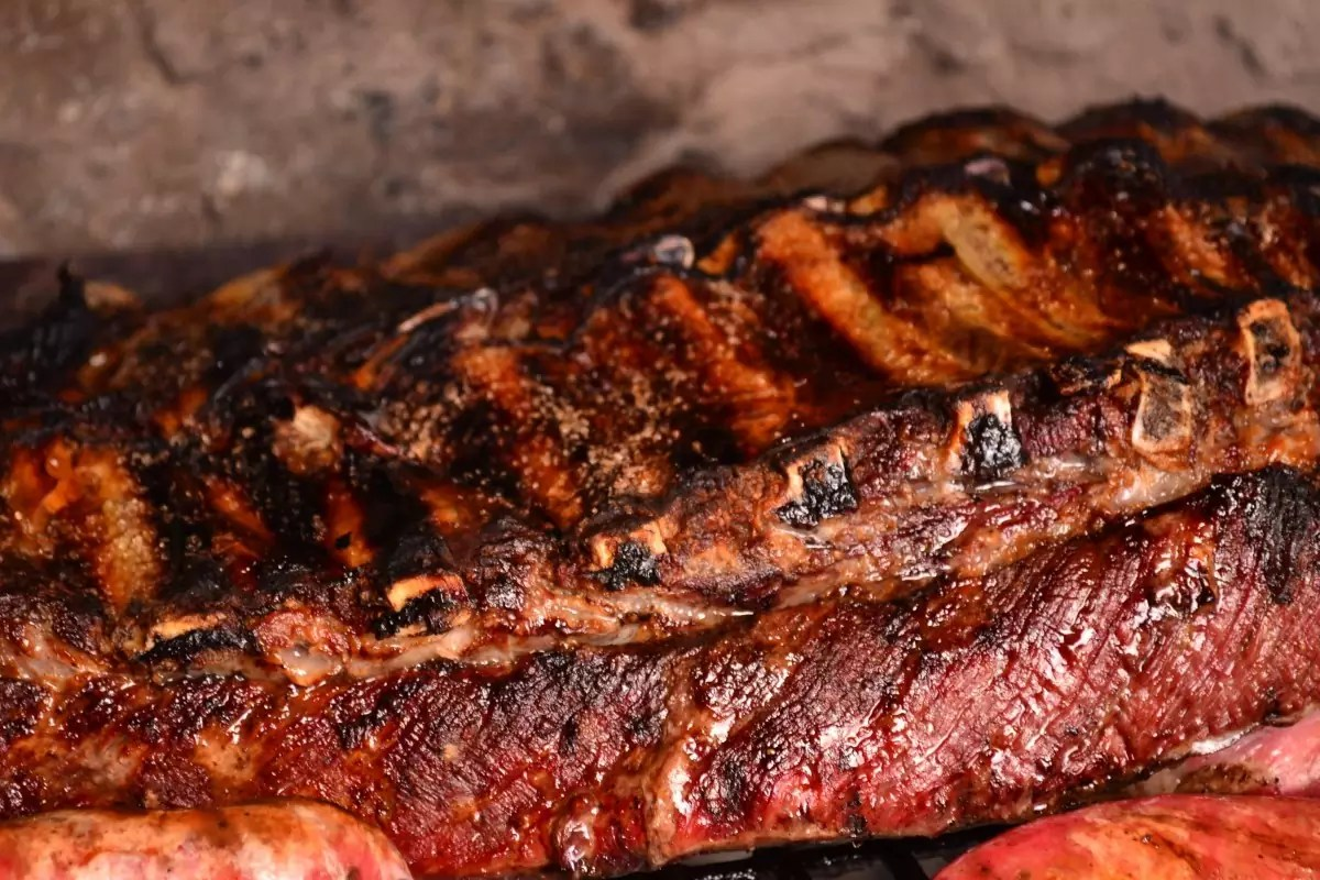 Anthony Bourdain Maine - Barbecue Ribs - photo by pxhere under CC0