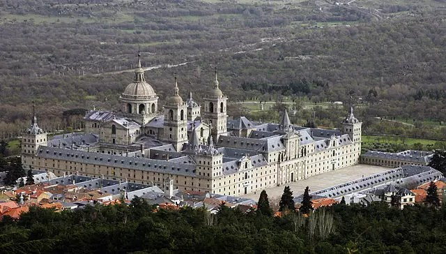 view of the entire El Escorial complex - photo by Hans Peter Schaefer under CC-BY-SA-3.0-migrated