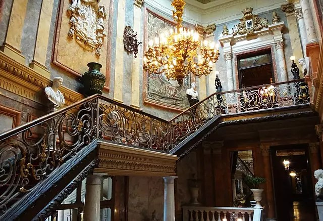 historical sites in madrid - Museo Cerralbo - photo by FouPic under CC-BY-2.0