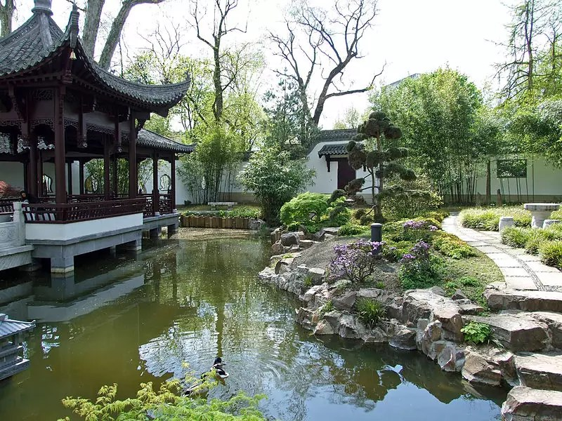free things to do in Frankfurt - Garten des Himmlischen Friedens in Bethmannpark - photo by Dontworry under CC BY-SA 3.0