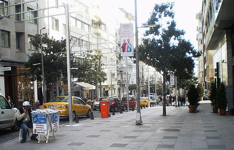 best shopping in Istanbul - Abdi İpekçi Avenue in Şişli, Istanbul, Turkey - photo by Hevesli under CC BY-SA 3.0