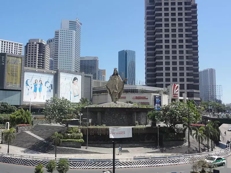 View of EDSA Shrine - photo by Patrick Roque under GFDL and CC BY-SA 3.0