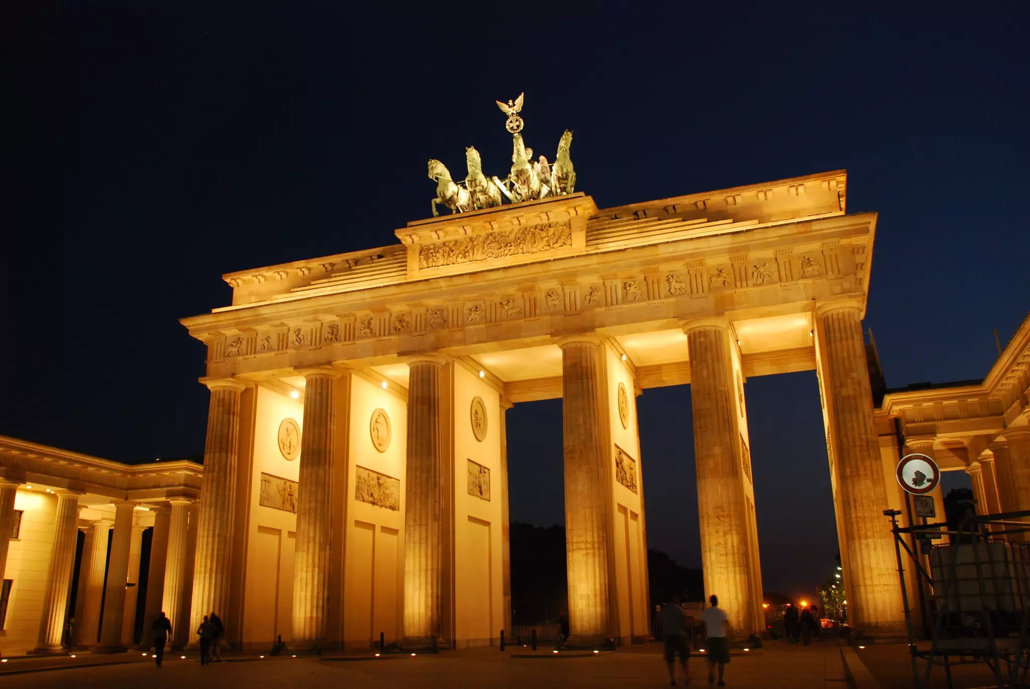 The Brandenburg Gate, Berlin, Germany - photo by www.traveljunction.com under CC BY-SA 2.0