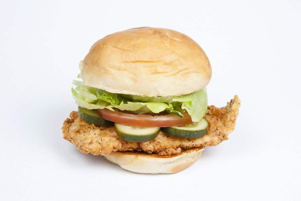 The Layover Los Angeles - Crispy Chicken Sandwich - photo by eknott@pdqfreshfoodfast.com under CC BY-SA 2.0