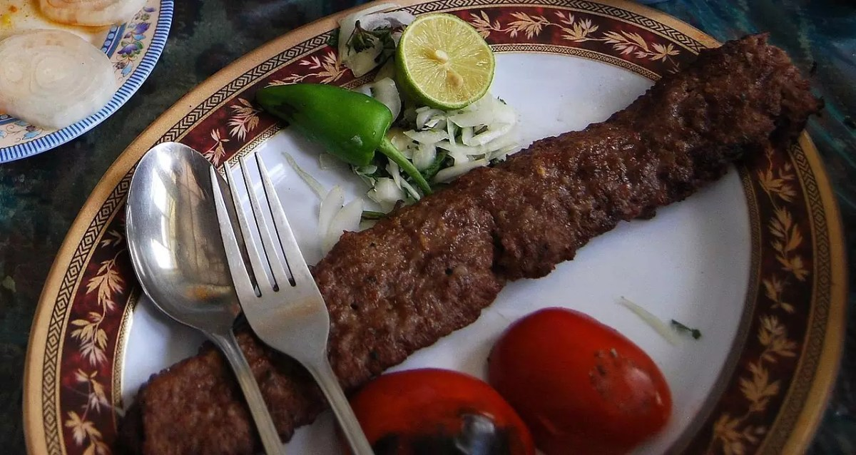 Iranian Koobideh Kabab - photo by Vathlu under GFDL and CC BY-SA 3.0