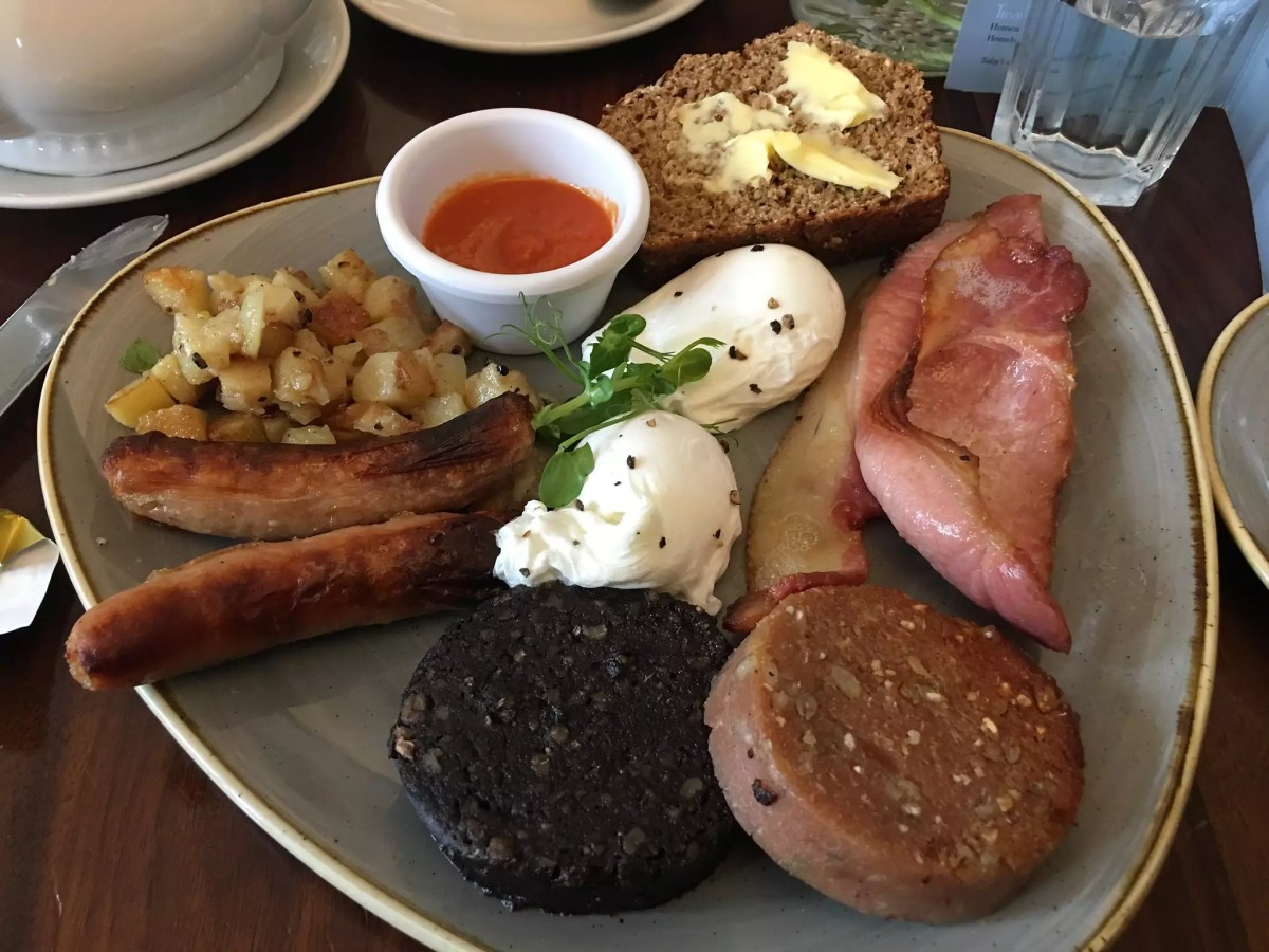 Anthony Bourdain Dublin - Full Irish Breakfast - photo by Sean MacEntee under CC BY 2.0