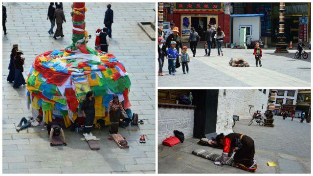 Tibetanos em oração nas ruas