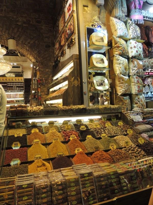 Por dentro do Spicy Bazar