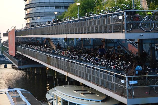 Mega estacionamento de bikes