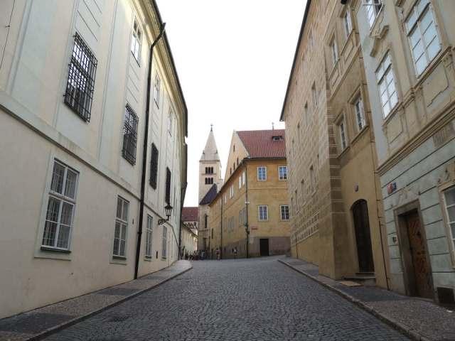 Ruas vazias dentro do Castelo