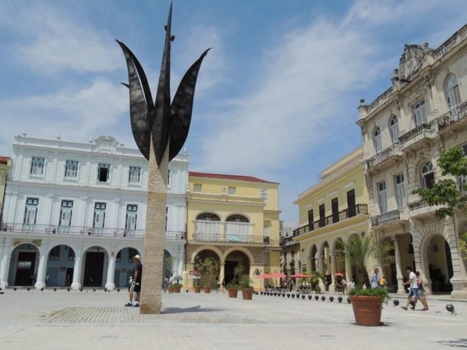 Praça restaurada pela Unesco