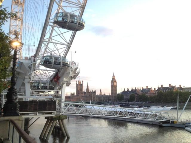 As margens do Tâmisa, Londres
