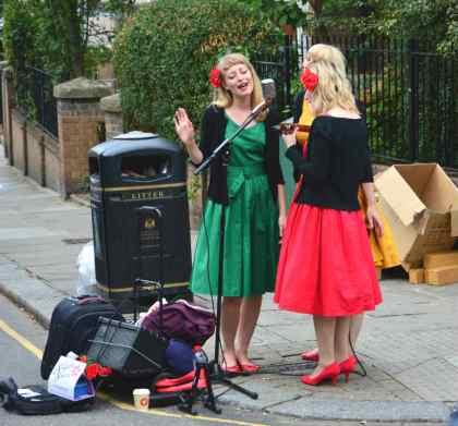 Cantoras nas ruas de Notting Hill