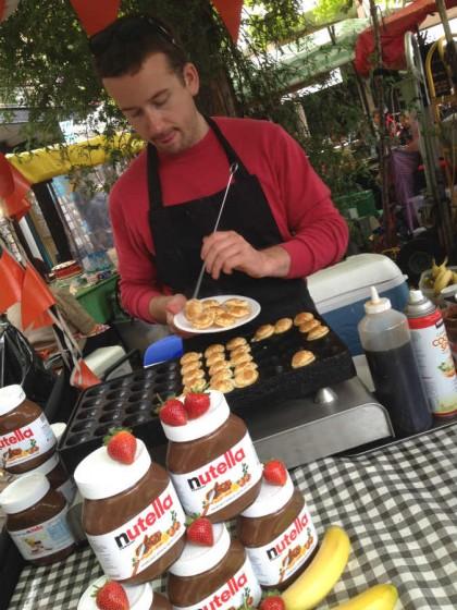 Sobremesa no mercado de rua