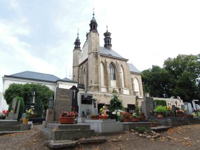 A Igreja e o cemitério da abadia, em Kutná Hora