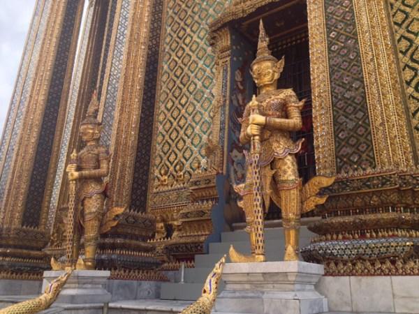 Gran Palace - Templo Wat Phra Kaew que abriga o Buda de esmeralda.