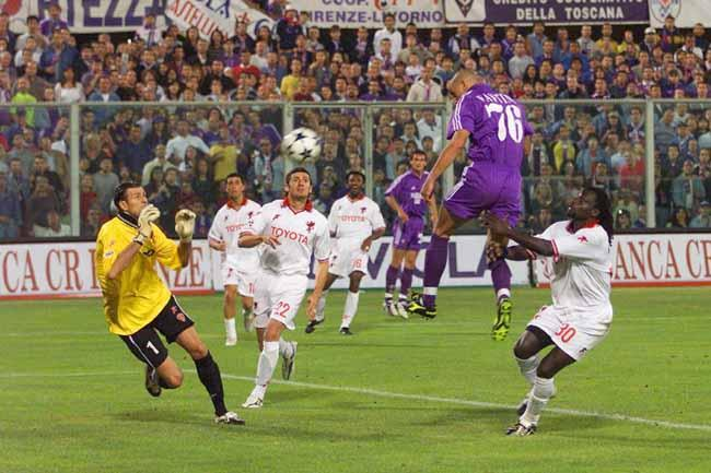 Il gol decisivo in Fiorentina-Perugia che manda la squadra di Emiliano Mondonico nuovamente in Serie A. Foto: gazzetta.it