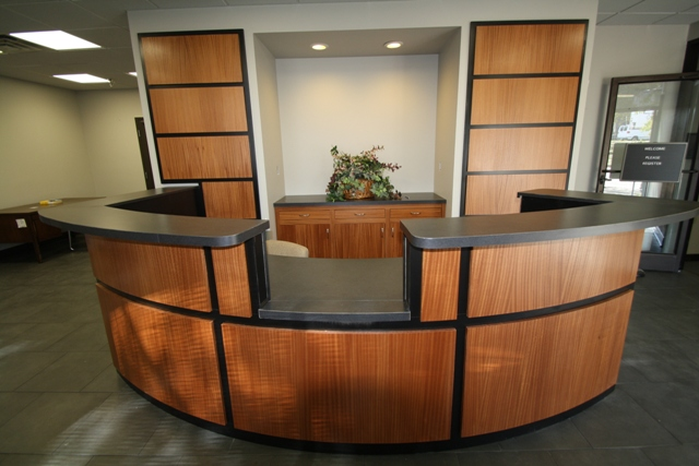 Desk Receptionist Curved