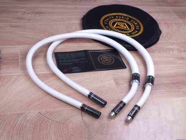 Stealth Audio Cables Sakra V12 highend audio interconnects XLR 1,0 metre 11