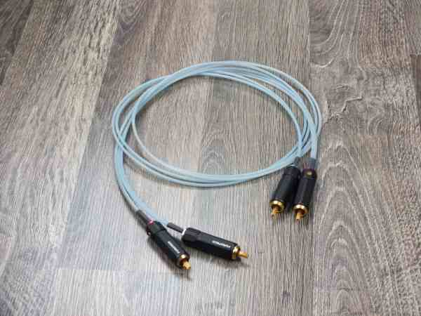 47 Laboratory audio interconnects RCA 1,0 metre 11