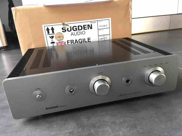 Sugden Signature A21SE Pure Class A audio Amplifier 1