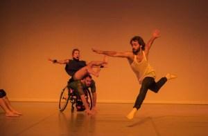 Candoco Dance Company's Face In by Yasmeen Godder (Photo: Hugo Glendinning)