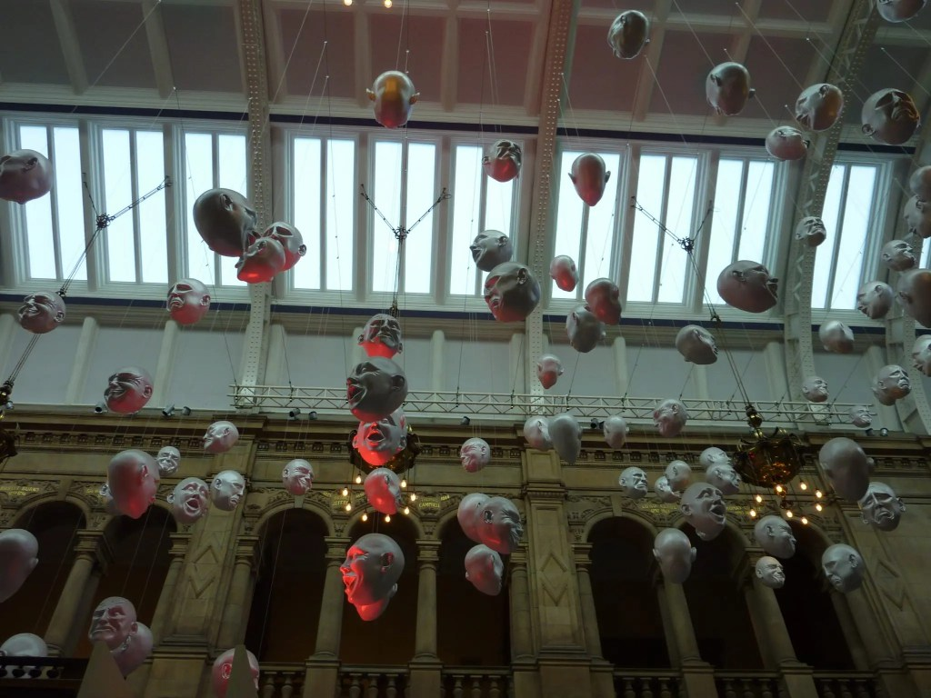 Contrary Life - Glasgow city guide - Kelvingrove Museum Floating Heads