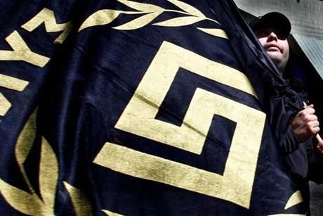 aube dorée drapeau