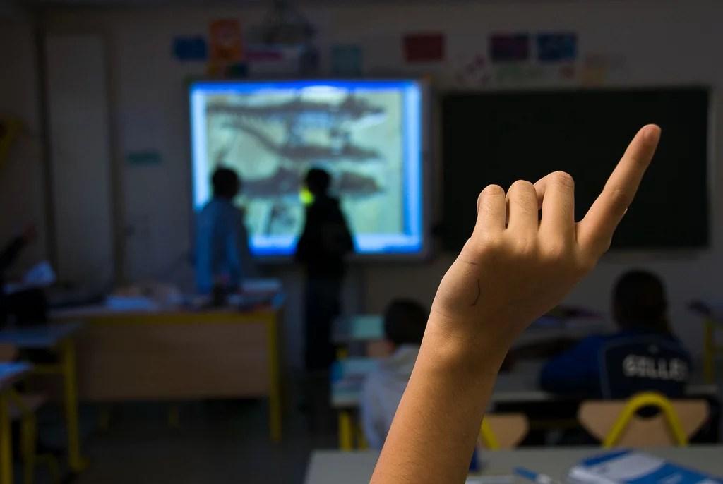 Élève salle de classe primaire