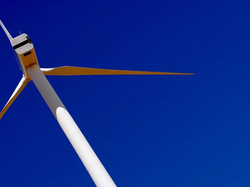 Éolienne (Crédits Lollie-Pop, licence Creative Commons)